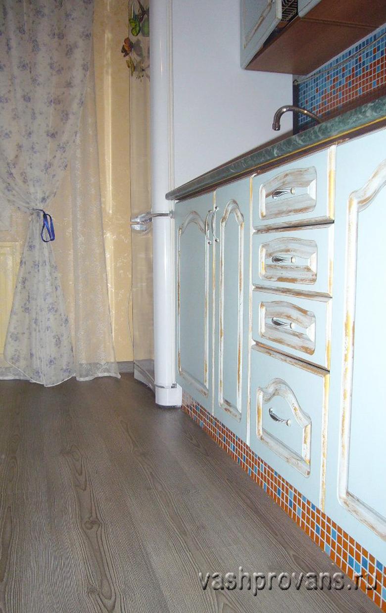 кухня прованс голубая
