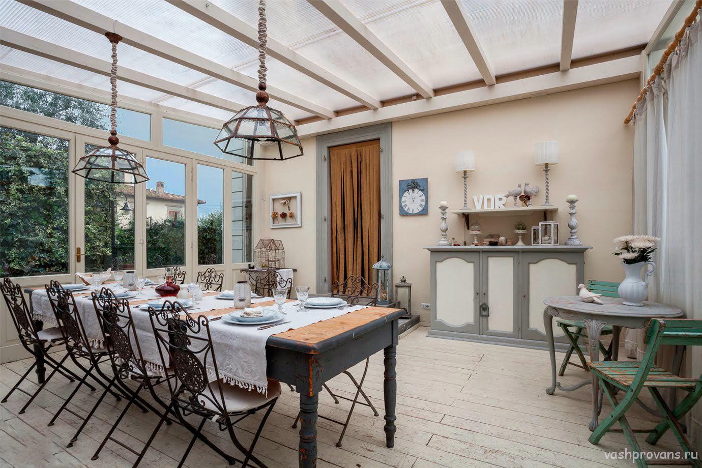 veranda-zakrytaya-provans-stil
