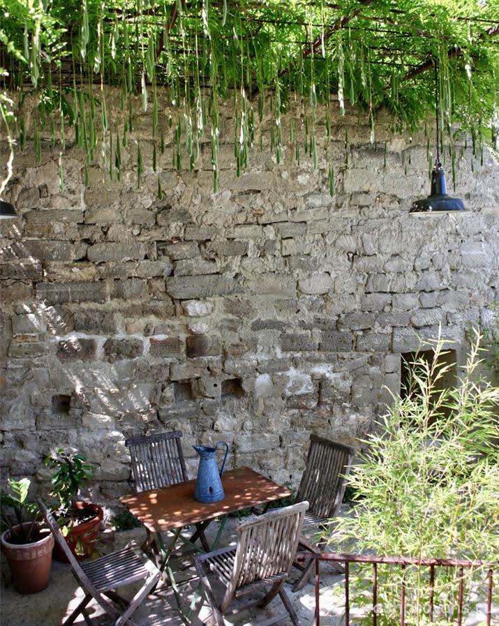 provans-fasad-ograzhdenie-kovka
