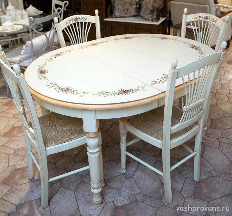 stol-provans-ovalnyy-s-rospisyu